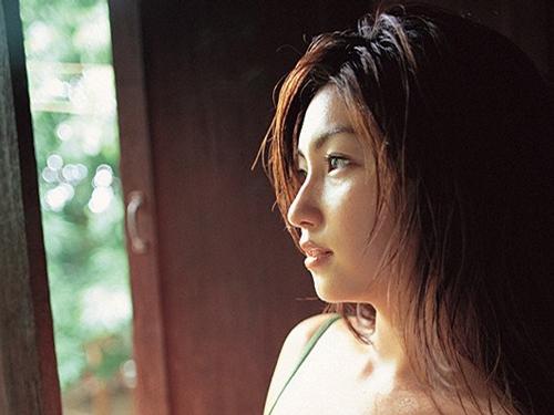 髪のアクセサリーが素敵な大沢舞子さん